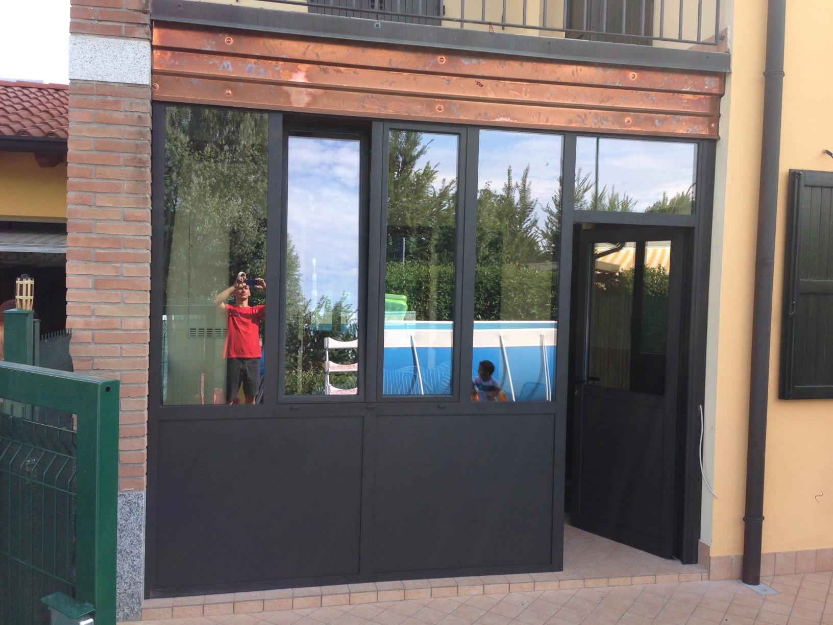 Chiusure porticati verande - Chiusure per finestre in legno ...