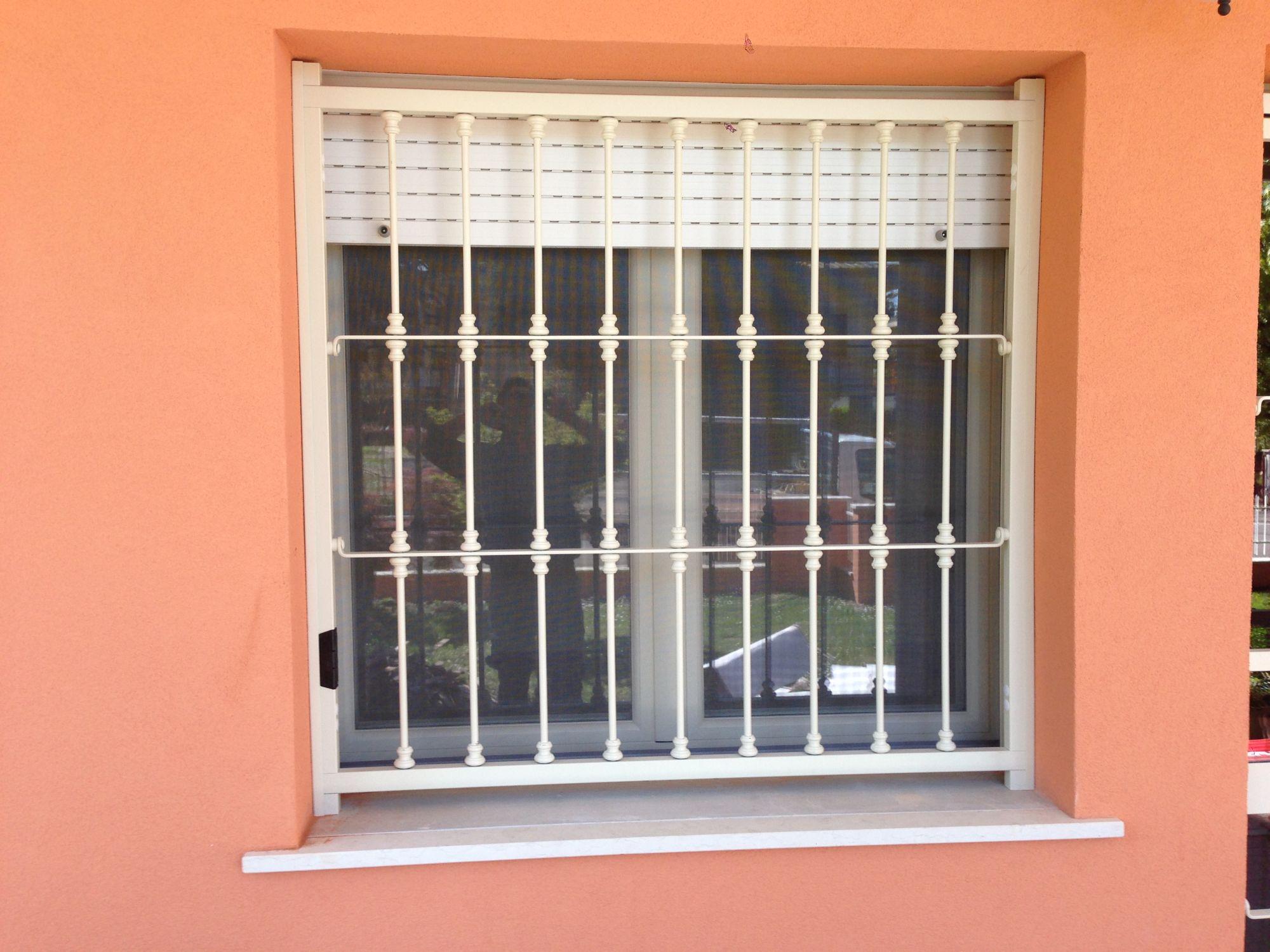 Finestre per tetti consigli home design e ispirazione mobili for Lucernari calpestabili velux